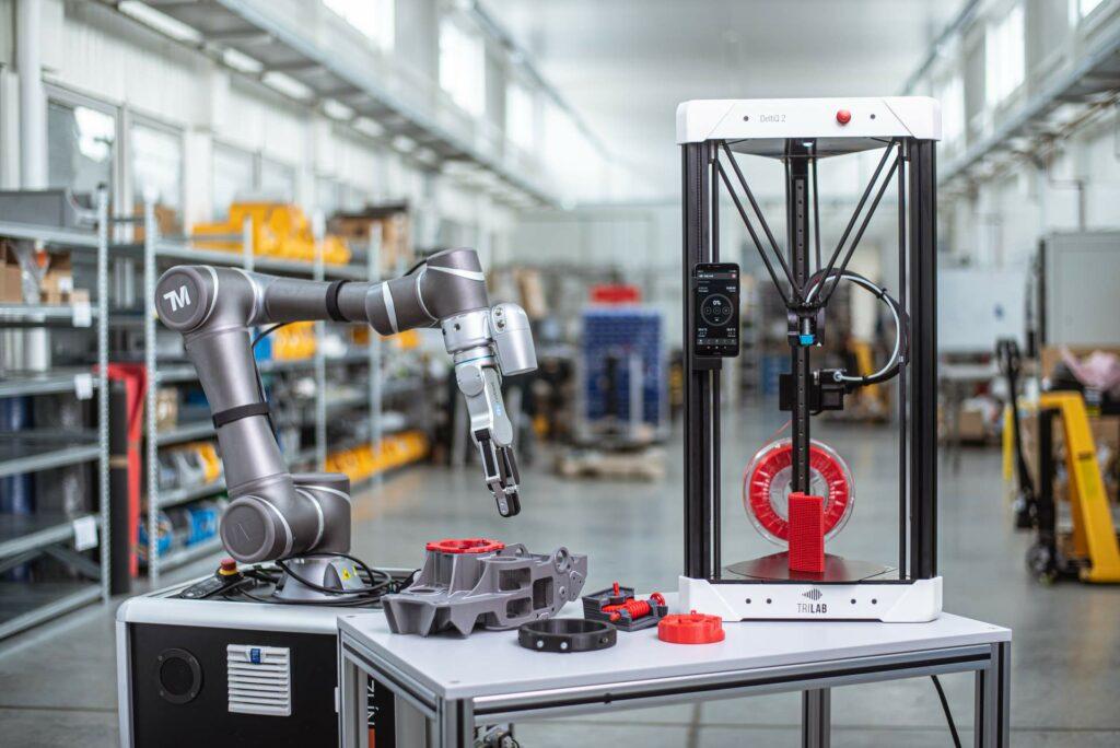 3D tiskárna DeltiQ 2 ve výrobě